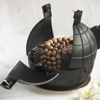 Nutties Overloaded Cake In a Bomb shell 900gms