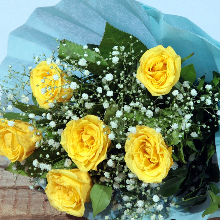 Blooming Bunch ( yellow 6  roses)